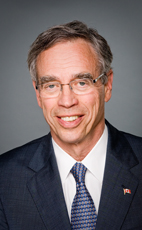 Photo - Hon. Joe Oliver - Click to open the Member of Parliament profile