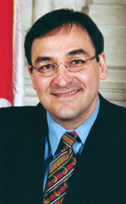 Photo - The Honourable Martin Cauchon - Click to open the Member of Parliament profile